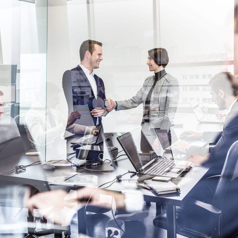 por que contratar asesores en la compra venta de empresas